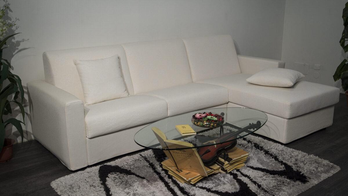foto Divano angolare , divano letto con penisola e contenitore, su misura